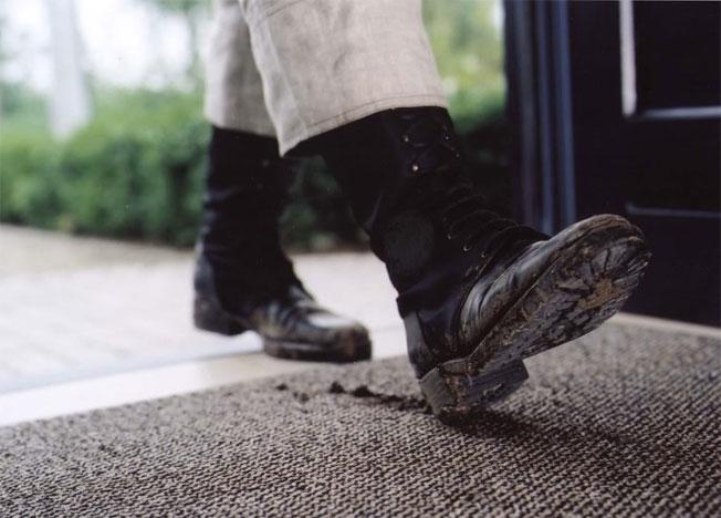 entrematta smutsiga skor